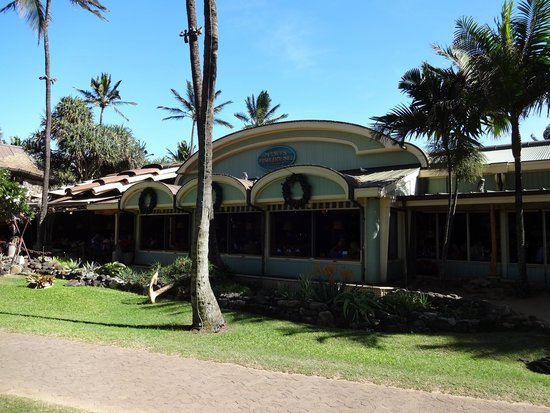 Restaurant front picture of mama 39 s fish house paia for The inn at mama s fish house