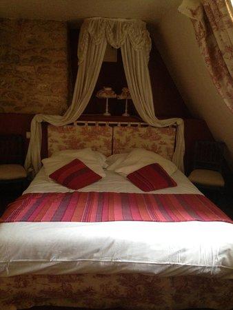 Hôtel La Couleuvrine : chambre