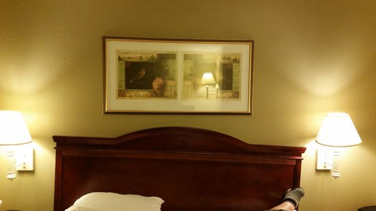 Ramada Columbia Missouri - broken/crooked headboard