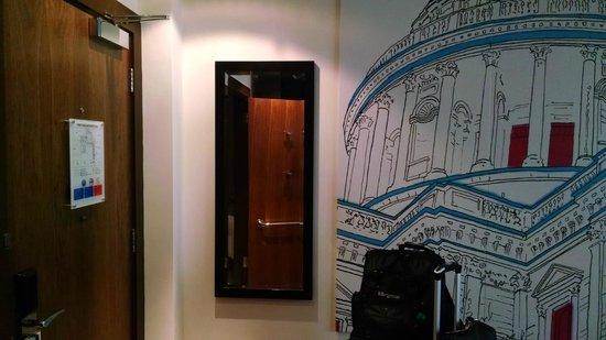 Hotel Indigo London Tower Hill: Main room