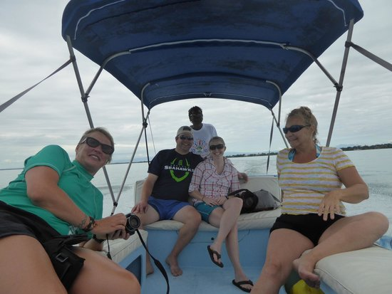 Silk Caye: Small Group with Pelican Tours.