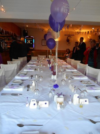 Hebridean Hotel : the wedding table