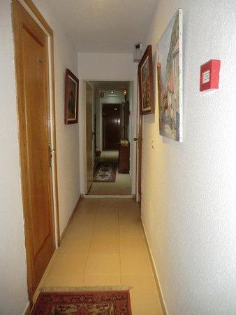 Hotel Hermes: couloir de l'hôtel