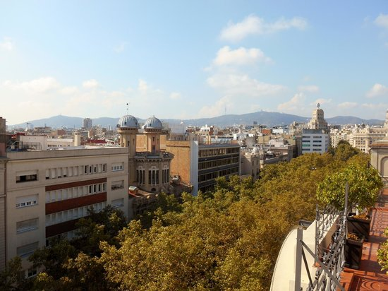 Citadines Ramblas Barcelona: Las Ramblas from Citadines Roof Deck 2