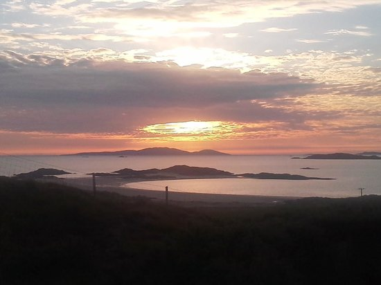 Ard Na Mara Beach Cottage: Fab sunset