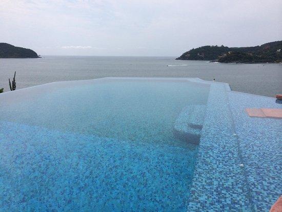 La Casa Que Canta : Beautiful view of the ocean!