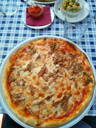 Pizzeria Lo Spuntino: Pizza de atún