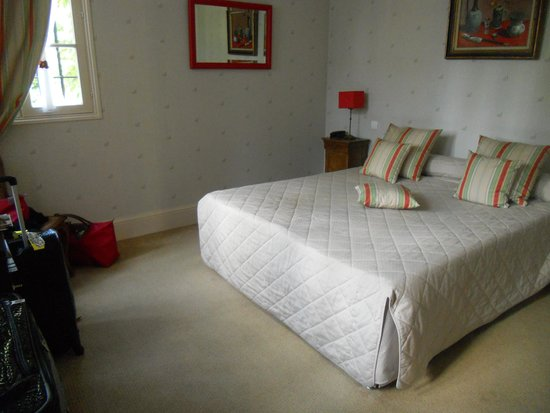 Le Manoir Saint Thomas: Bedroom in Manor St. Thomas