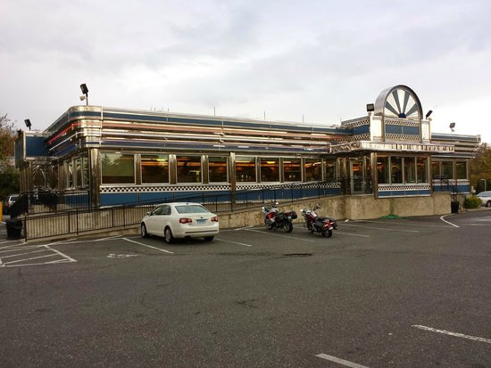 Blue Colony Diner: A great place to eat!