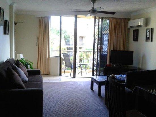 Aussie Resort Burleigh Heads: Balcony/Lounge