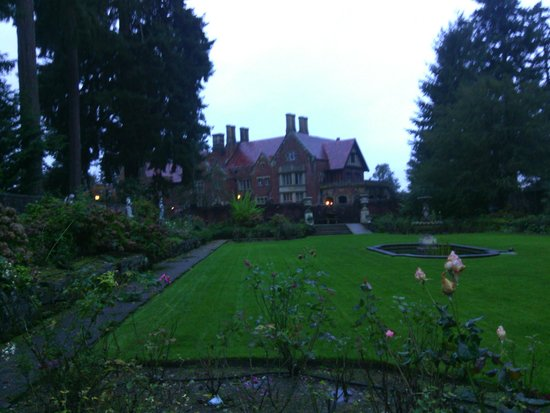 Thornewood Castle Inn and Gardens: the house from the garden