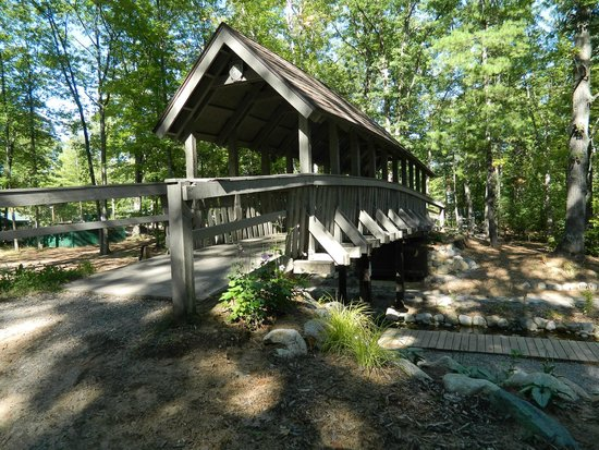 Timber Ridge RV & Recreation Resort: Covered Bridge