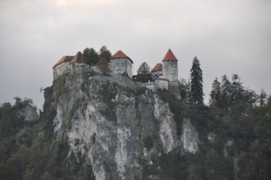 Garni Hotel Jadran - Sava Hotels & Resorts: Bled castle from hotel balcony