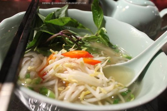 Chicken Pho Noodle Soup - Picture of Royale Vietnam, Kuala