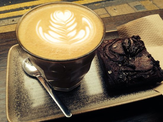 Laynes Espresso: Latte and salted caramel brownie, delicious.