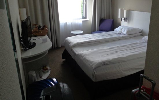 Thon Hotel Brussels Airport : the tiny room