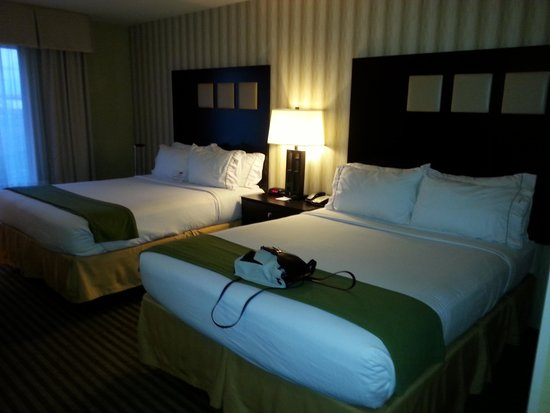 Holiday Inn Express Hotel & Suites Richwood-Cincinnati South: Room 1