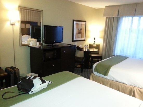 Holiday Inn Express Hotel & Suites Richwood-Cincinnati South: Room 2