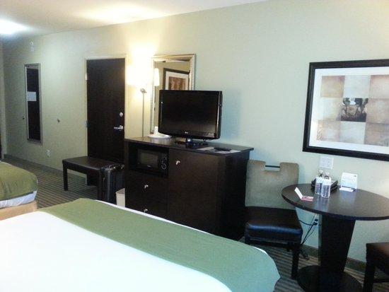 Holiday Inn Express Hotel & Suites Richwood-Cincinnati South : Room 3