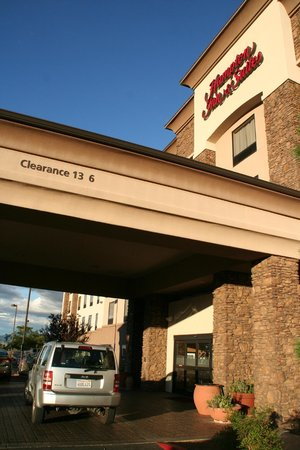 Hampton Inn & Suites Prescott Valley: dezenter Eingang ;-)