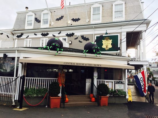 Central House at the Crown: Happy Halloween in P'town