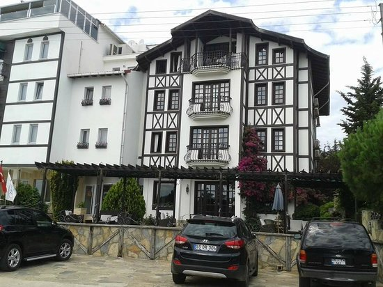 Zinos Hotel: otelden
