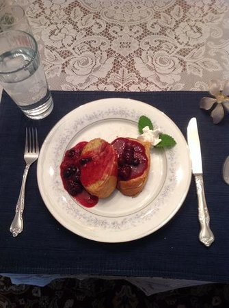 Echoes of the Glen Bed & Breakfast: French Toast