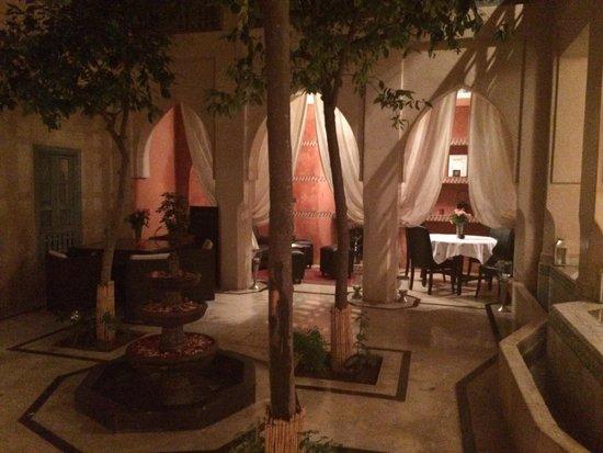 Riad Misria & SPA: Jardin intérieur