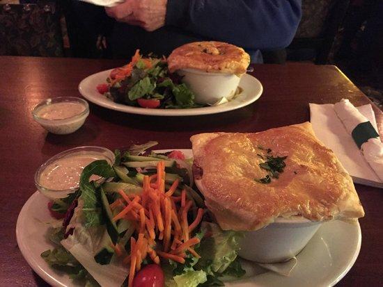 Elephant & Castle Pub & Restaurant: Chicken Pot Pie & Steak Pot Pie