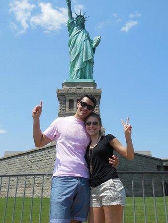 vale la pena conocerla en persona ニューヨーク シティ 自由の女神