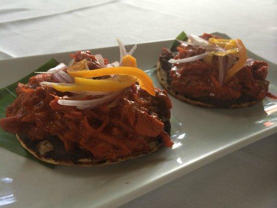 Sante Restaurante: Tostadas de Cochinita