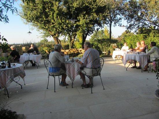 Mas d'Augustine : breakfast terrace