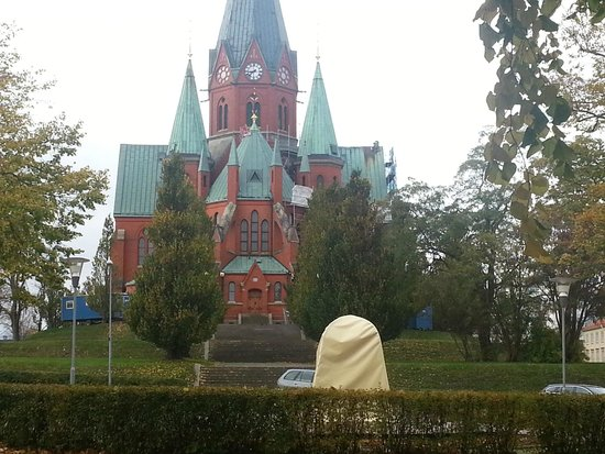 Centralhotellet: Igreja em frente ao hotel