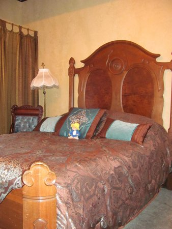 The Historic Occidental Hotel & Saloon and The Virginian Restaurant: Teddy Roosevelt Suite Bedroom