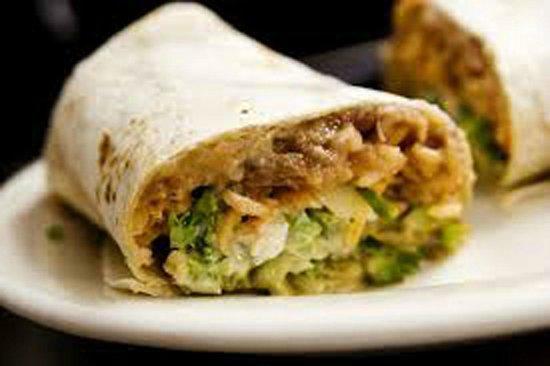 Burrito $25pesos - Picture of El Pez Guevon, Playa del Carmen ...