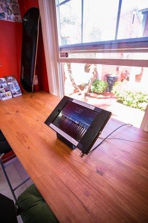 ITH Adventure Hostel San Diego: Free iPads