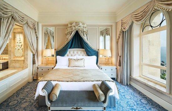 Higher Floor Ocean Suite Bedroom Picture Of The Castle Hotel A Luxury Collection Hotel Dalian Dalian Tripadvisor