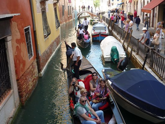 Hotel Marco Polo : Gondala travel on the canals