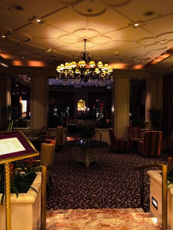 The Franklin Hotel at Independence Park: lobby and lounge area