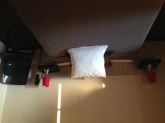 Auberge de l'Estanquet : la chambre coté lit