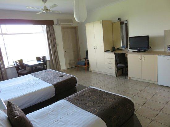 Lakeview Motel: 2