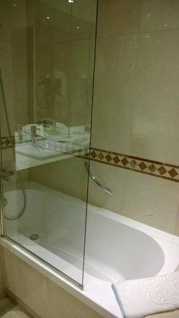 GPRO Valparaiso Palace & SPA: Baño