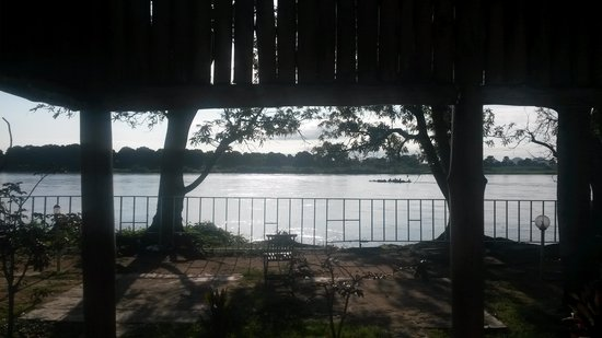 Oasis Camp : view out of the room in the morning