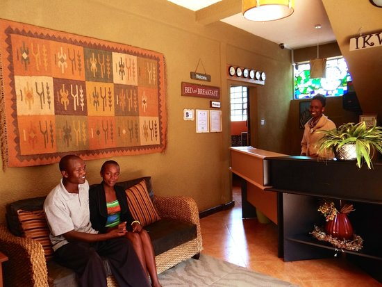 Ikweta Country Inn: Welcoming Reception