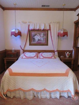 Mariposa Hotel Inn: king size