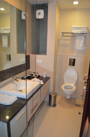 Sage Hotel: Bathroom