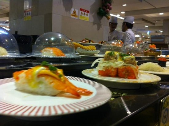Food Court at Lotte Department Store Main : Sushi belt