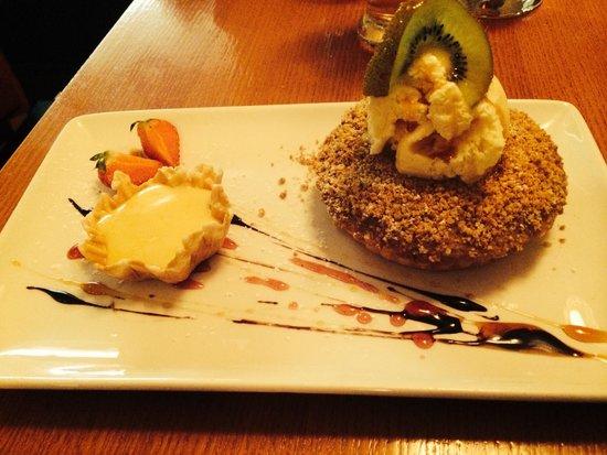 The Fisherman's Pub & Restaurant: Apple crumble