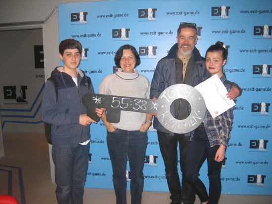 Exit - Live Escape Game: Finishing time at the end of our escape from toxic kitchen!