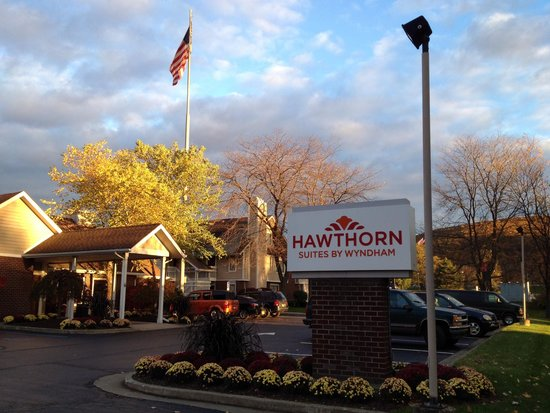 Hawthorn Suites By Wyndham Fishkill/Poughkeepsie Area: Fall at Hawthorn Suites